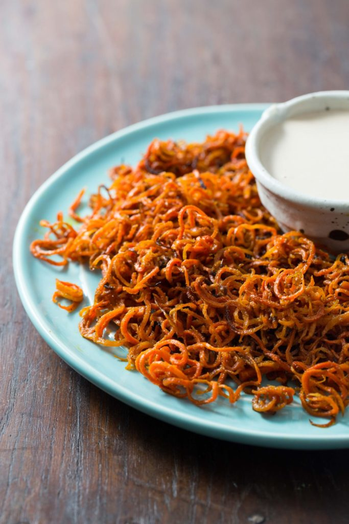 Spicy Baked Curly Carrot Fries
