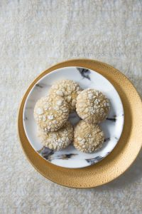 Honey Crinkle Cookies